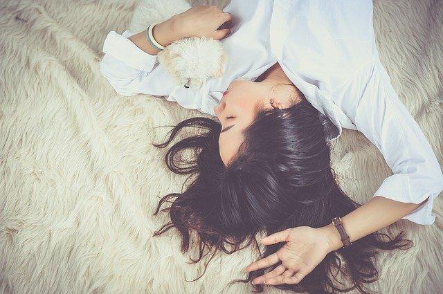 girl sleeping afraid of death